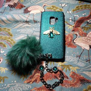 Samsung Galaxy s9 Case w/Wrist Chain & Fur Pom Pom
